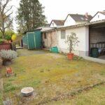 freistehendes Haus mit Garage