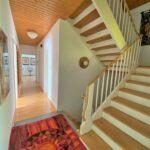 Treppenhaus und Flur EG
