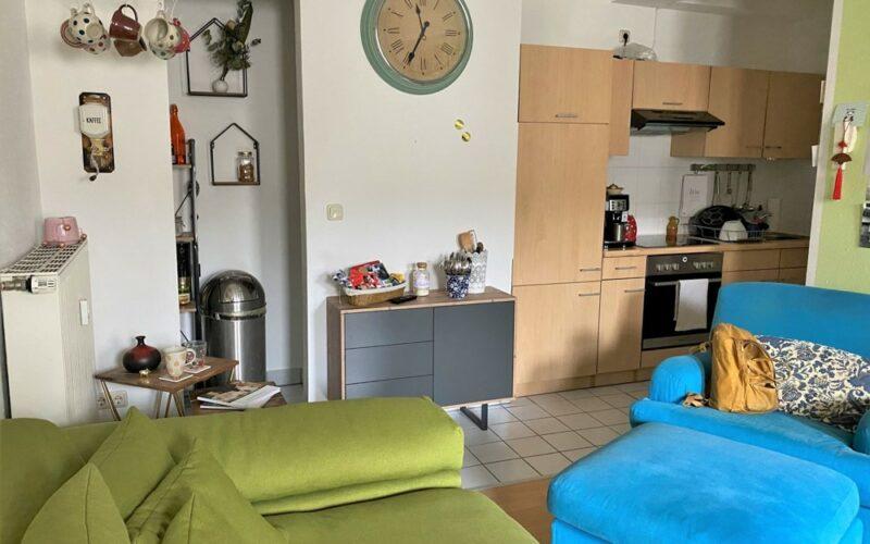 Küche & kleine Abstellkammer